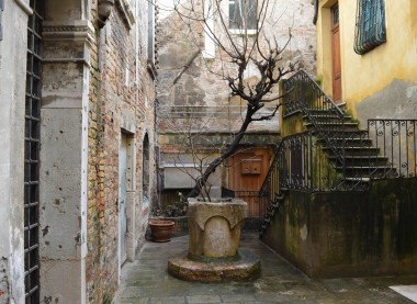 Hidden courtyard Venice